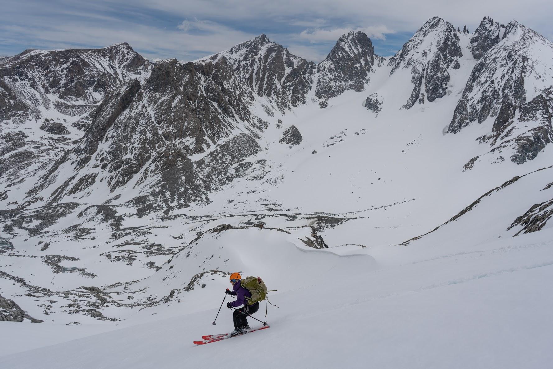 gannett_peak_ski_guiding_melissa_skiing