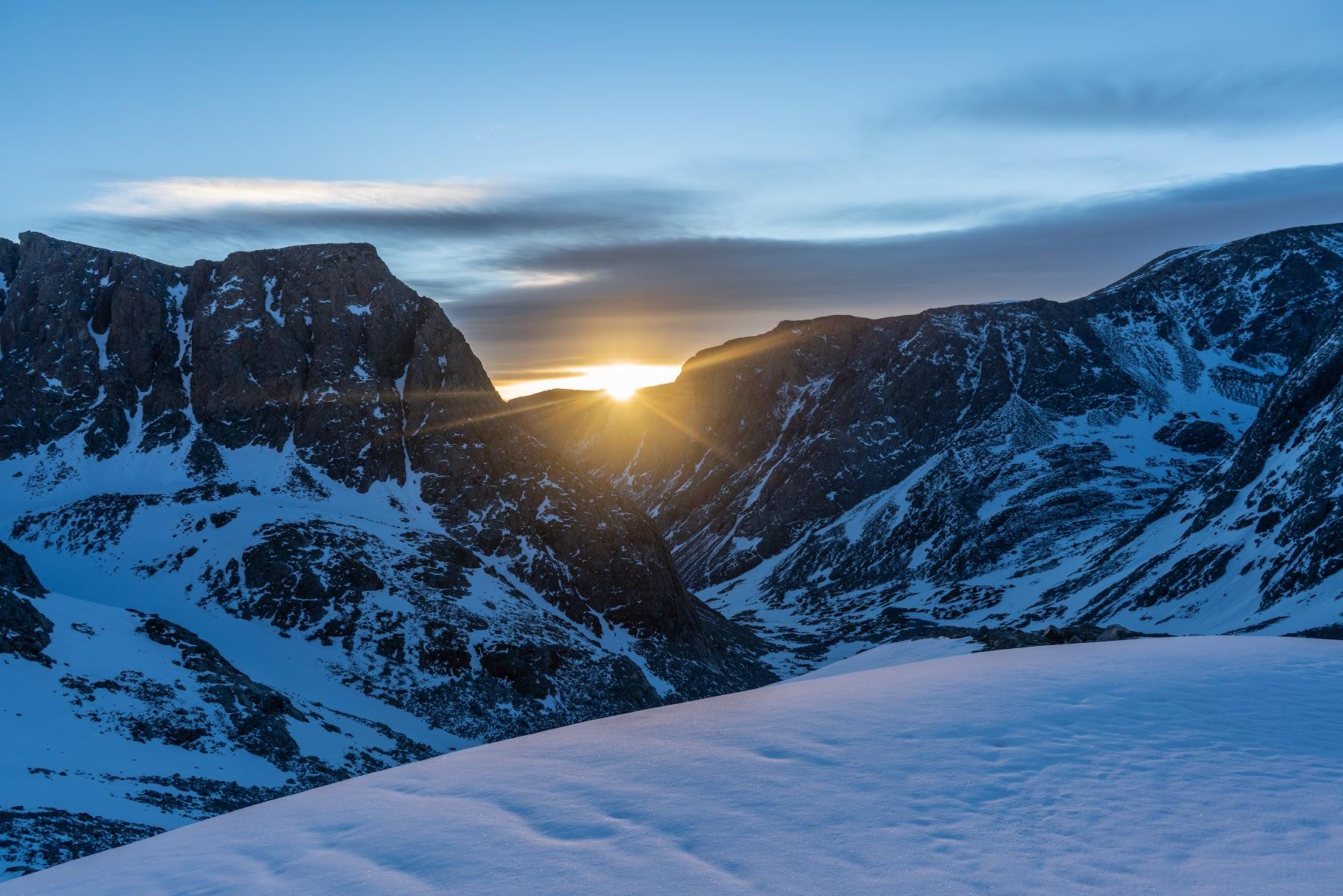 gannett_peak_ski_guiding_sunrise_2
