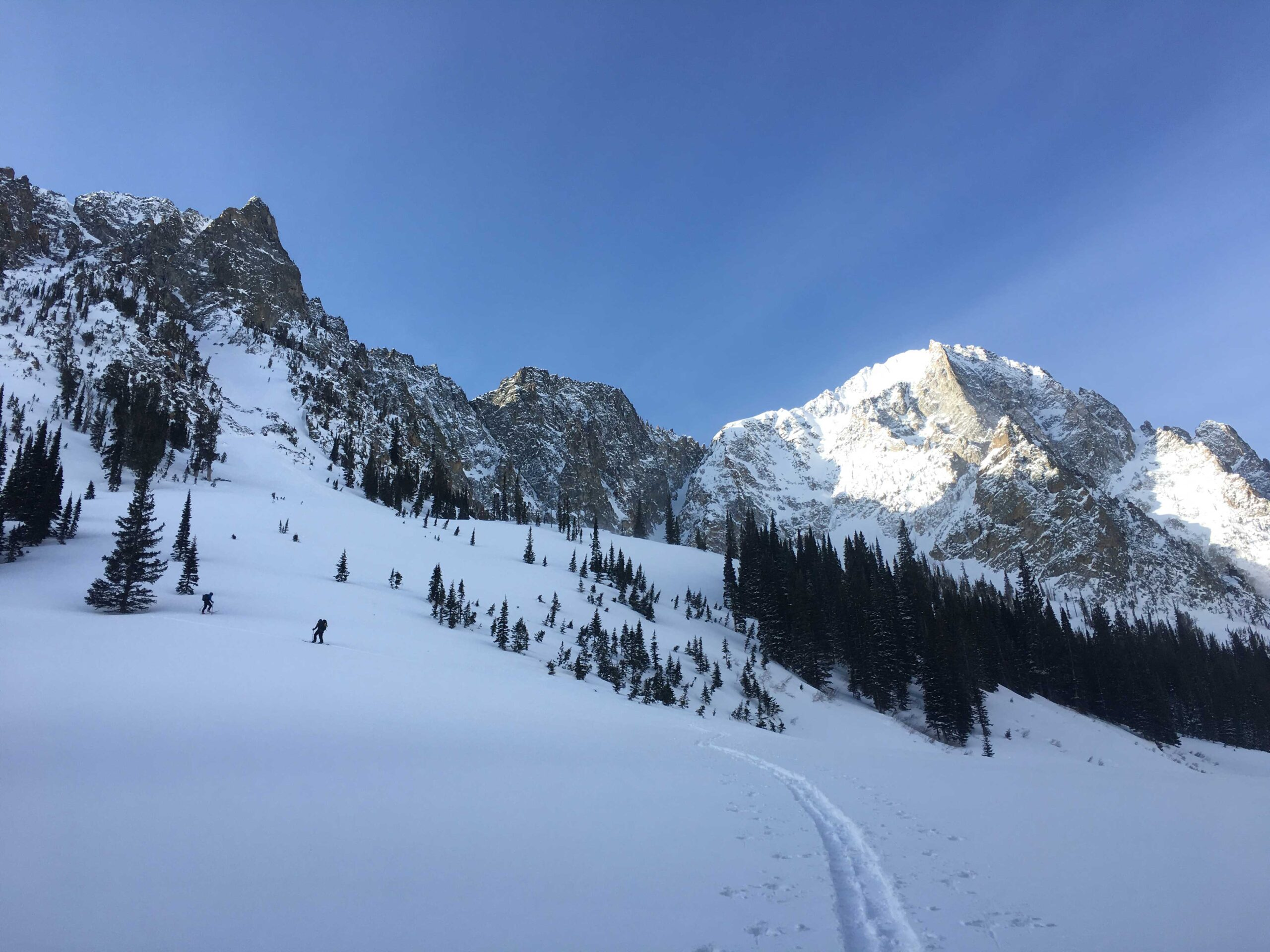 guided_ski_tours_in_utah_remote_Uintas