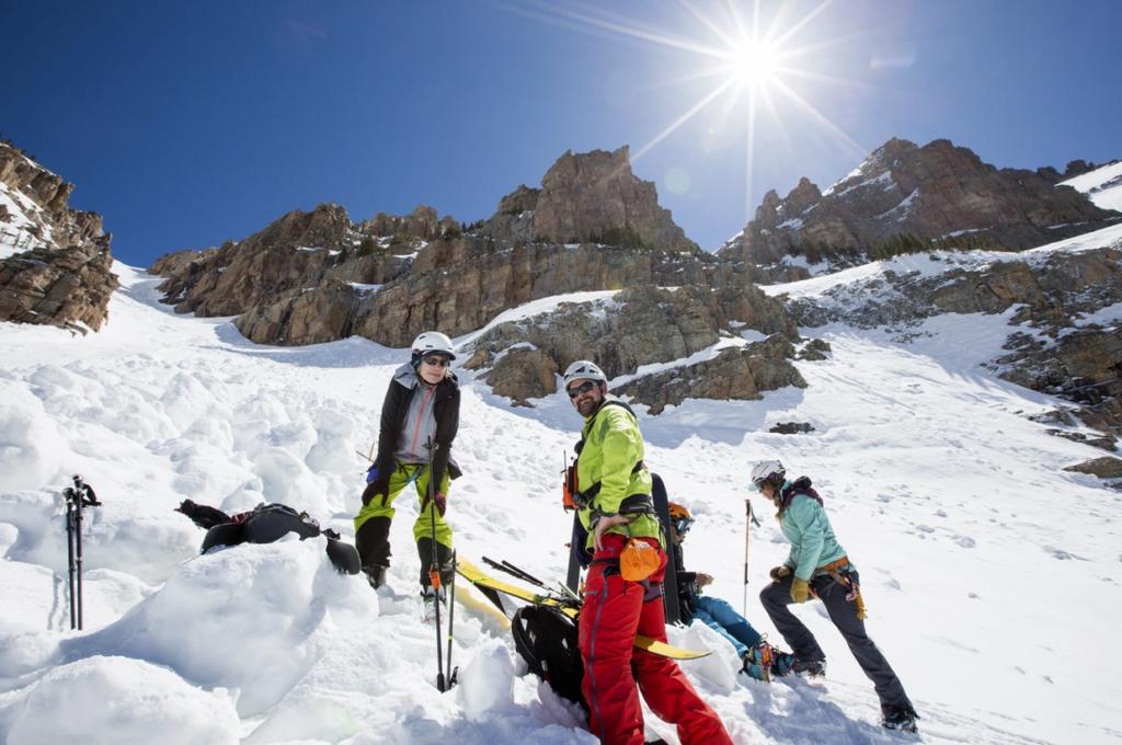 guided_ski_tours_in_utah_spring_skimo_camp